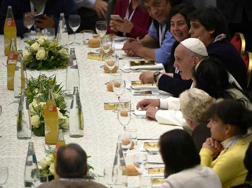 Papa Francisco pede menos consumismo e mais esforço pela paz