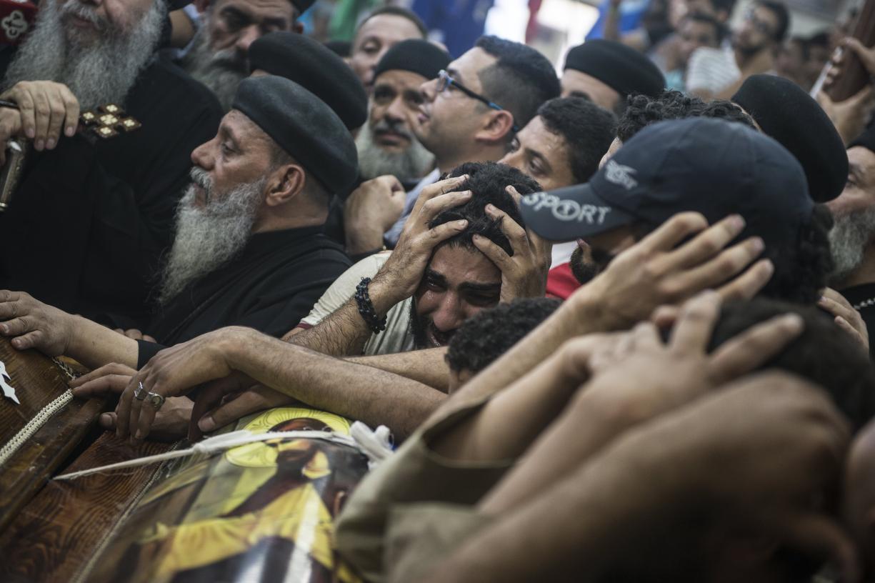 Egito: Atirador mata ao menos 23 em novo ataque contra cristãos coptas