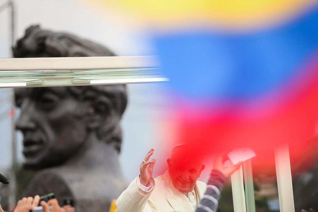 Venezuela vai abandonar o dólar na negociação de petróleo, gás e ouro