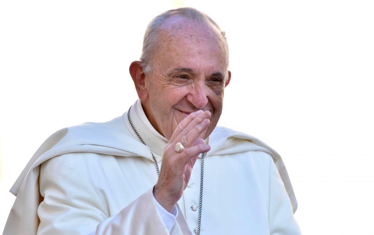 Papa reza pelas vítimas de
