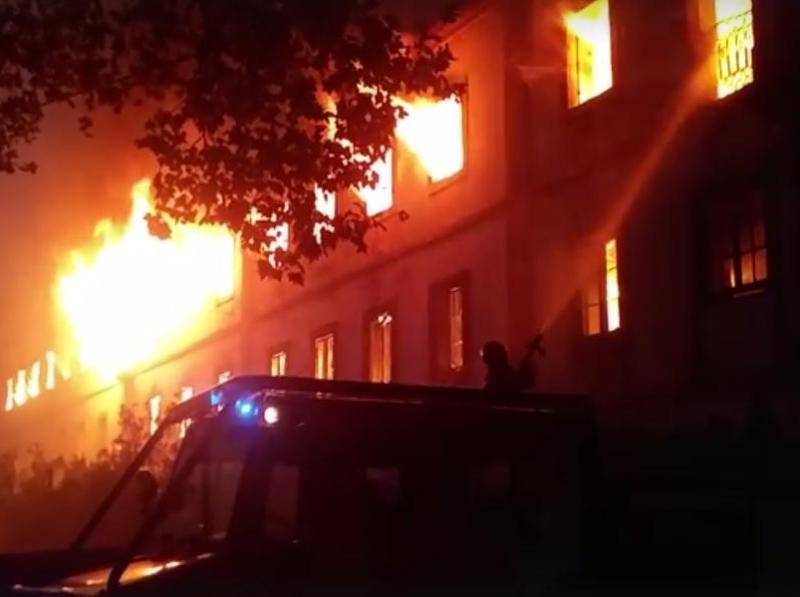 Louriçal do Campo: Civis e bombeiros feridos, colégio ardeu totalmente