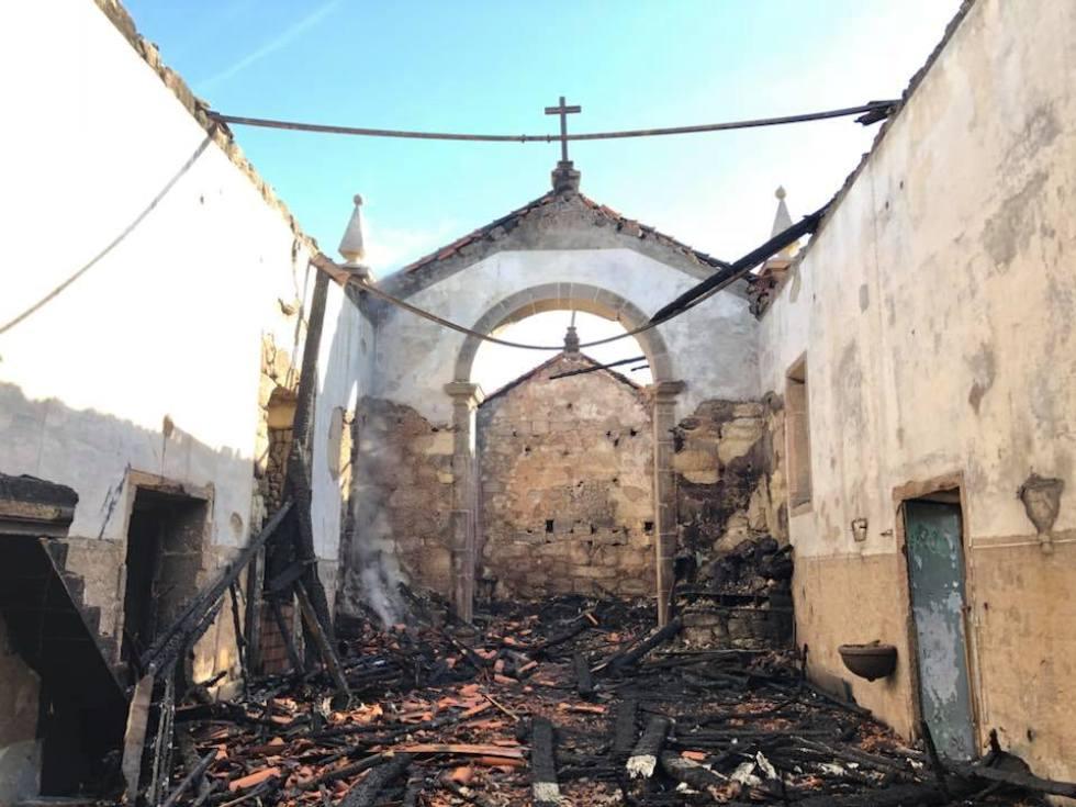 Incêndio de madrugada destruiu igreja em Ponte da Barca