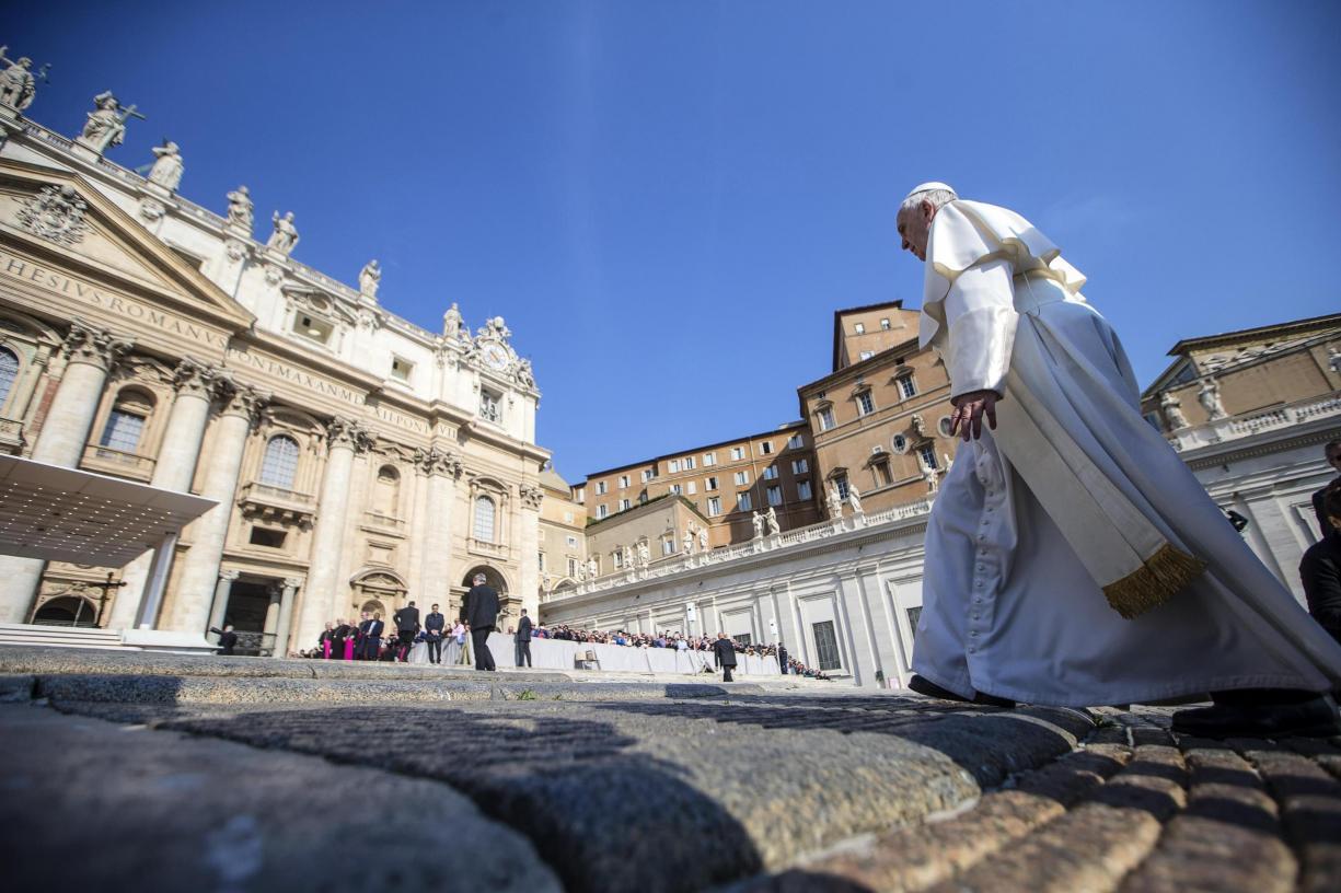 Papa cria uma nova via para a santidade - a