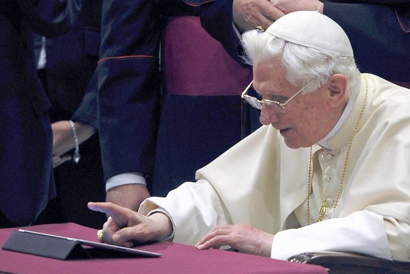 VATICAN RELIGION POPE TWITTER