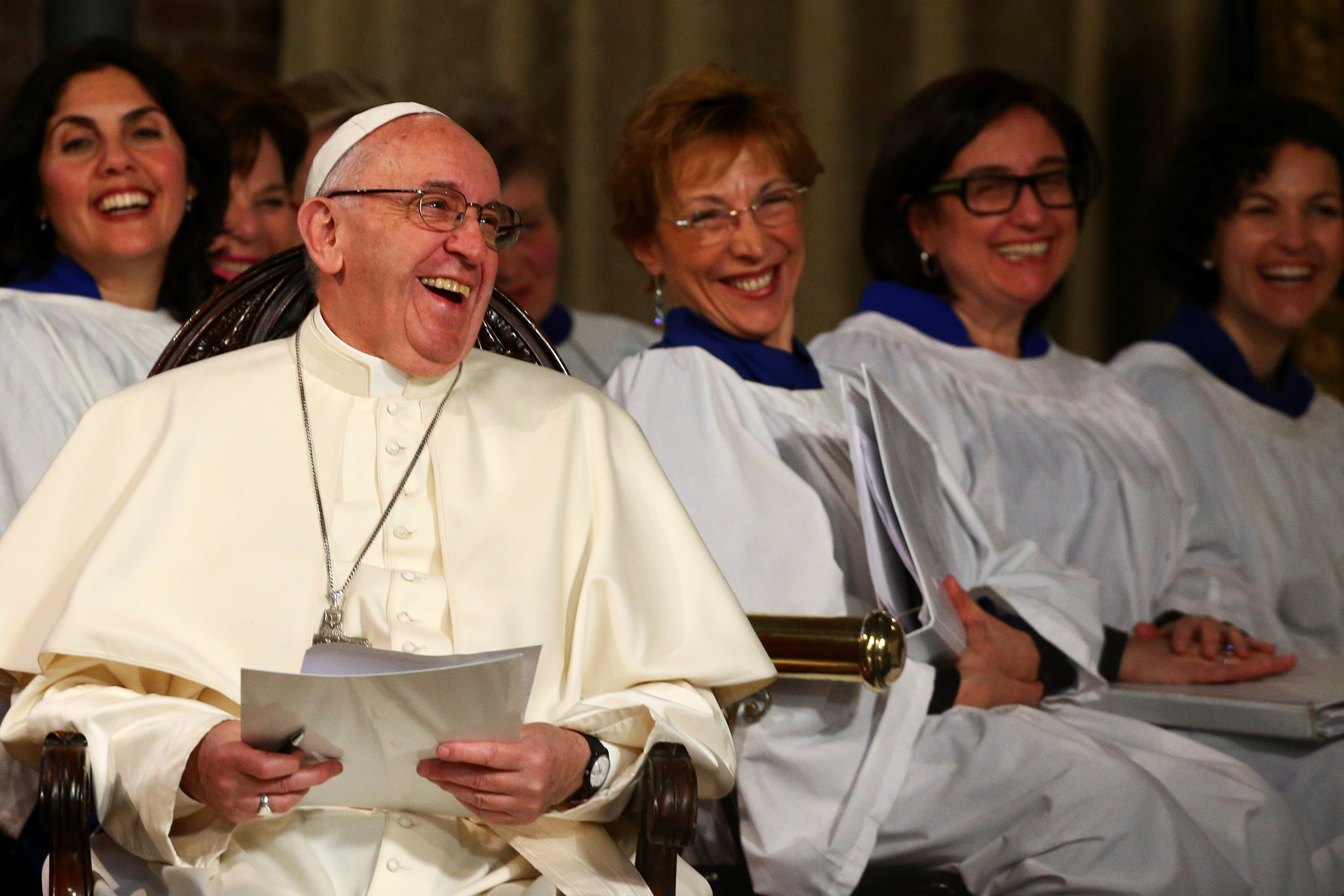 Papa Francesco visita Chiesa anglicana a Roma
