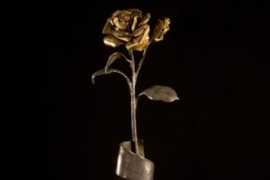 Fátima: Rosas de Ouro oferecidas pelos Papas expostas em Leiria