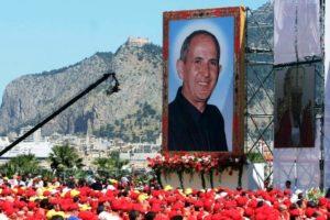 Itália: Papa visita Palermo para homenagear padre morto pela Máfia