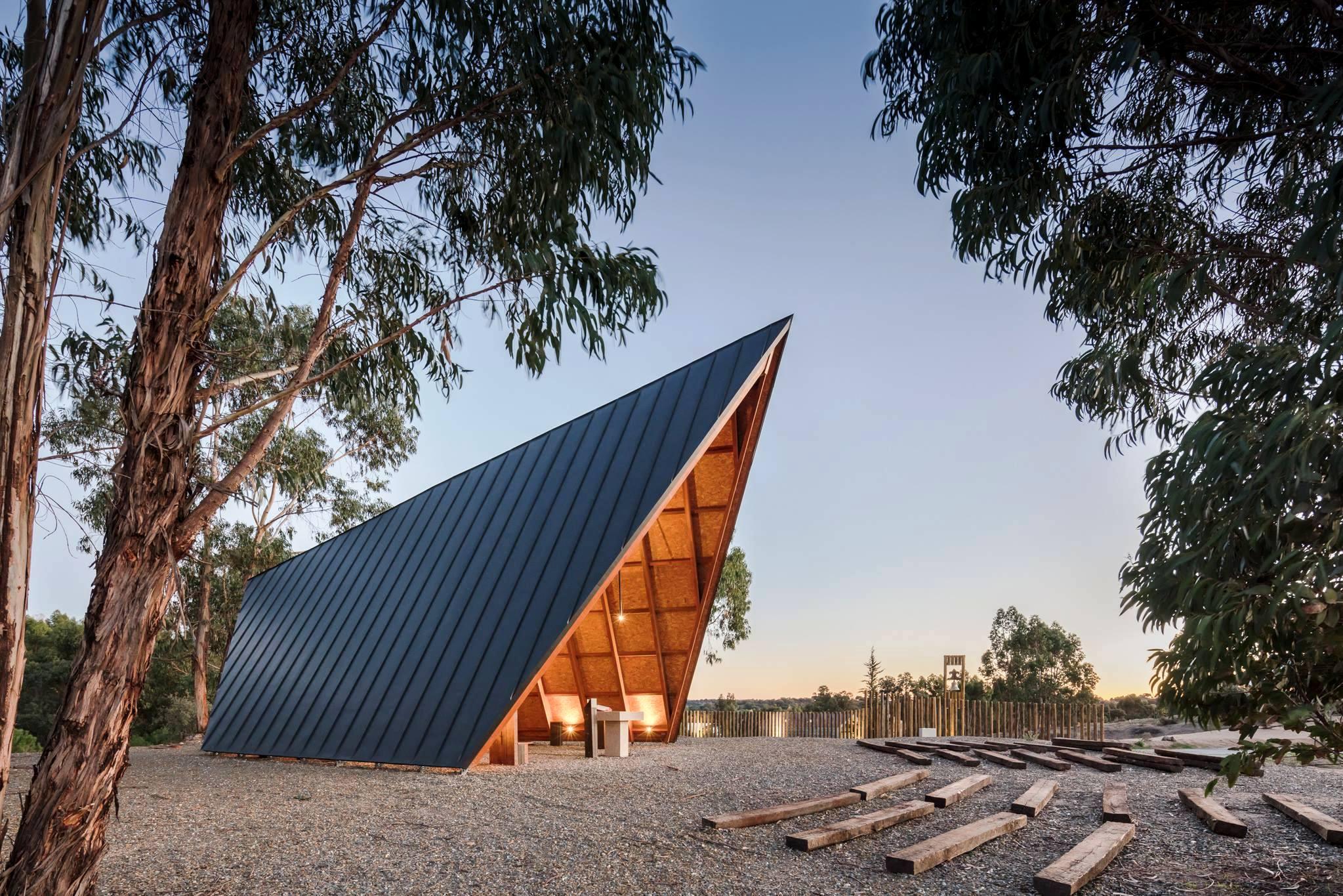 Igreja/Arquitetura: Capela do Corpo Nacional de Escutas distinguida com prémios «Architizer A+» - Agência ECCLESIA