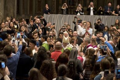 Vaticano: Papa vai assinar «Carta aos jovens»