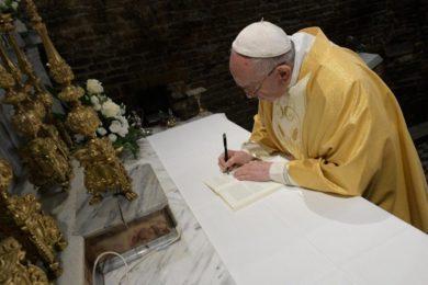 Santa Sé: Publicação da Exortação apostólica pós-sinodal «Christus Vivit»