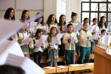 Évora: Schola Cantorum leva música de Fátima ao Alentejo