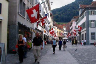 Migrações: A experiência de ser emigrante na Suíça - Emissão 14-08-2019