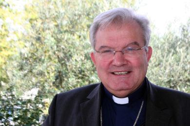 Igreja/Sociedade: D. Manuel Quintas recebe medalha de ouro do município de Faro