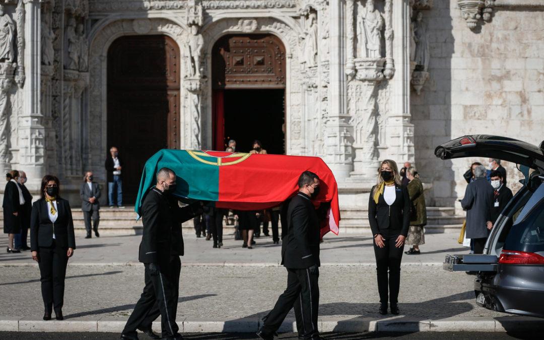 Cultura: «O caixão de Eduardo Lourenço tem, qualquer que seja a sua forma, a forma de Portugal» – cardeal José Tolentino Mendonça